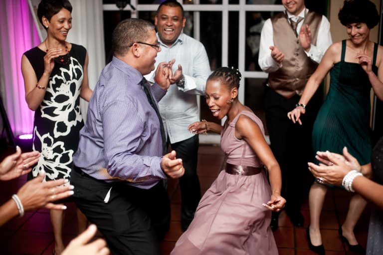 wedding guests showing off dance moves