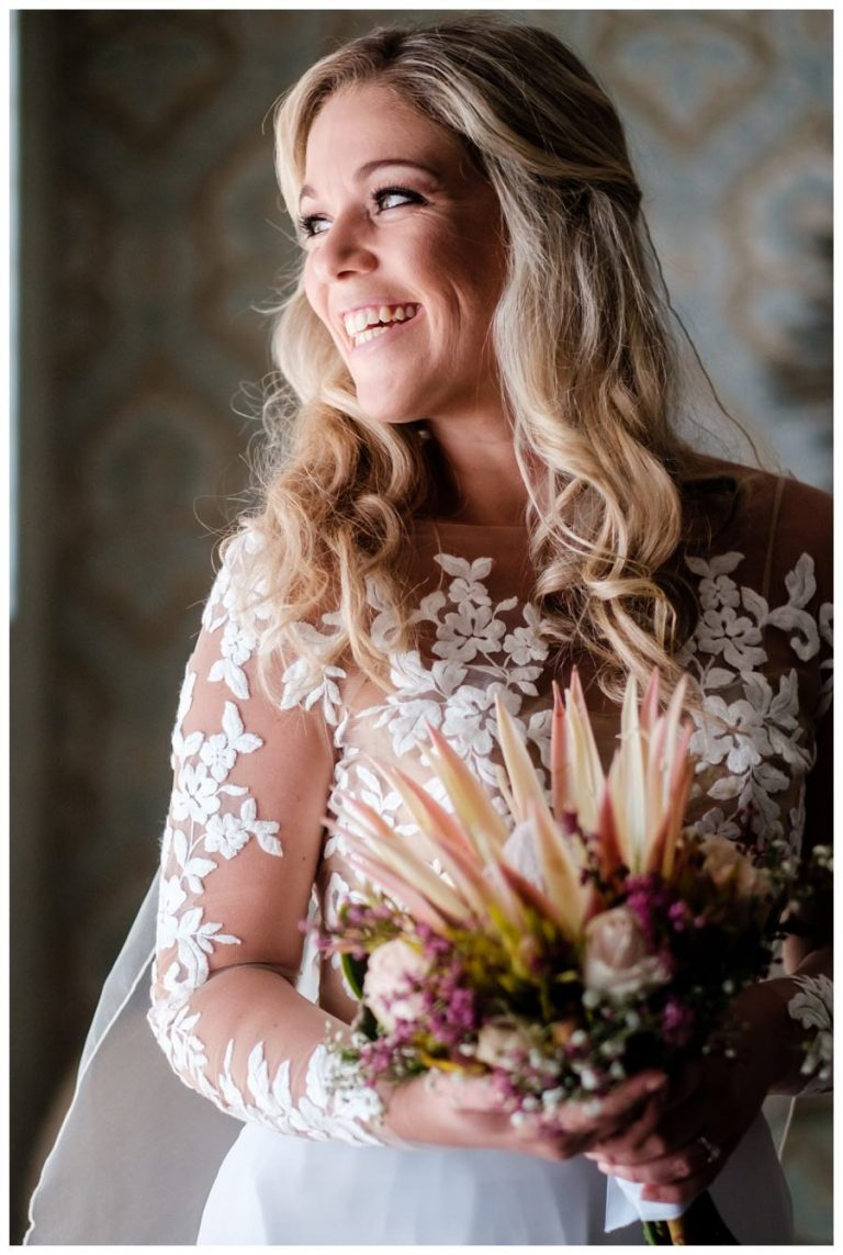 Bridal Wedding photos at Twelve Apostles hotel